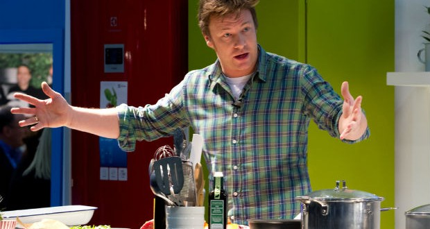 jamie oliver commencera son livre par un chapitre v g tarien vegactu. Black Bedroom Furniture Sets. Home Design Ideas